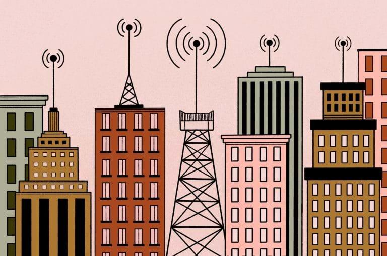 """Para 5G, é preciso modernizar leis municipais de antenas """"no atacado"""", recomenda Abrintel"""