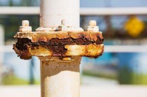 Tecnologia desenvolvida por brasileiros evita impactos ambientais no combate à corrosão