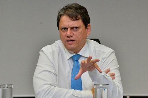 'Com as ferrovias autorizadas, vamos ter alguns bilhões', diz Tarcísio Gomes de Freitas