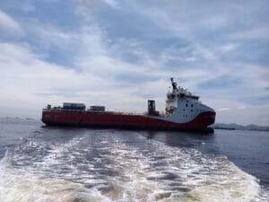 Projeto pioneiro de barco híbrido para atividades offshore no Brasil