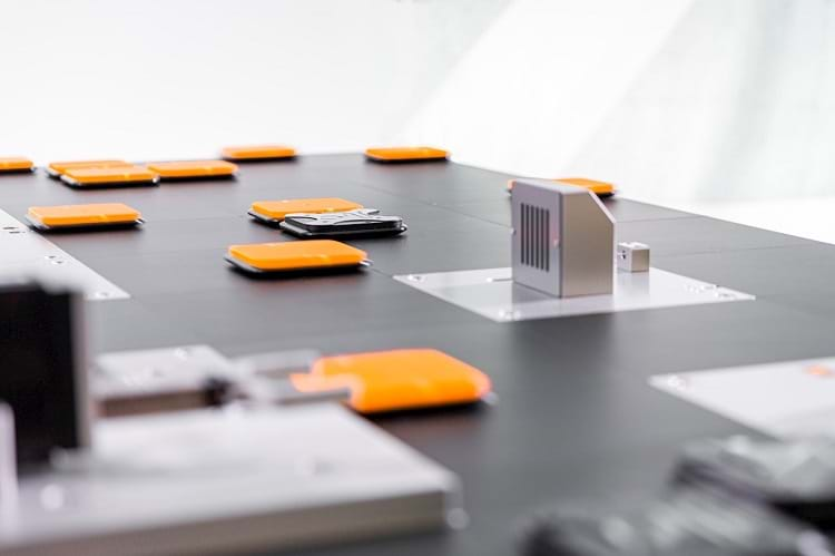 ABB amplia portfólio de manufatura flexível com inovador sistema de transporte por levitação magnética