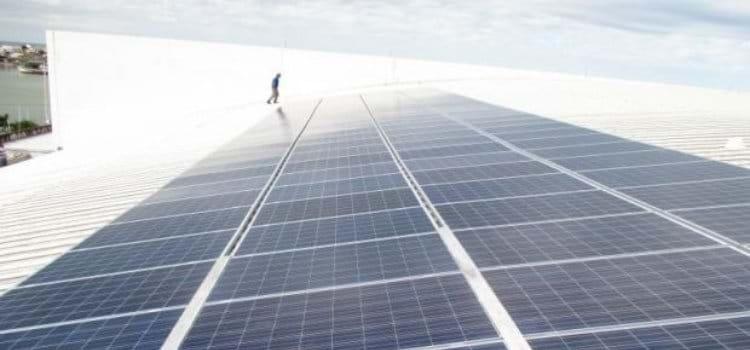 Itajaí, em SC, investe em energia solar em seus espaços públicos